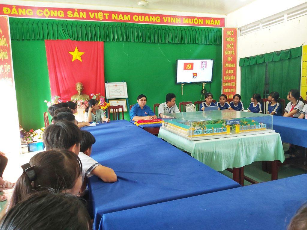 Ảnh: ôn lại kỷ niệm 90 năm Ngày thành lập Đoàn TNCS Hồ Chí Minh